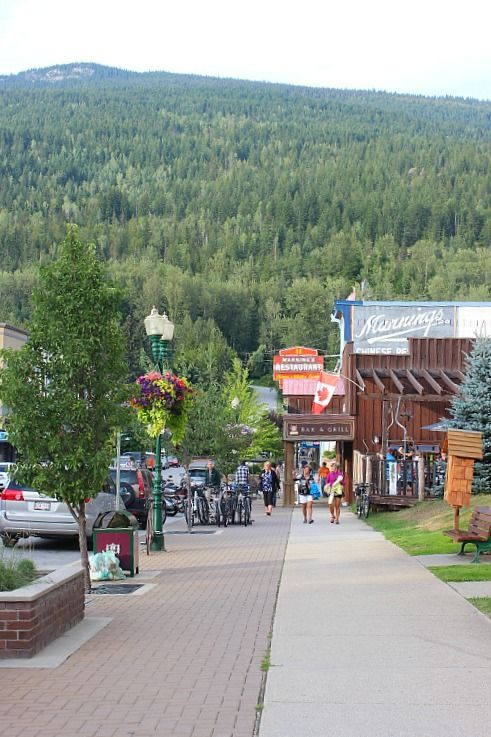 How to Spend a Weekend in Revelstoke | The World on my Necklace