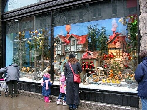 Olgilvy's window in Montreal at Christmas