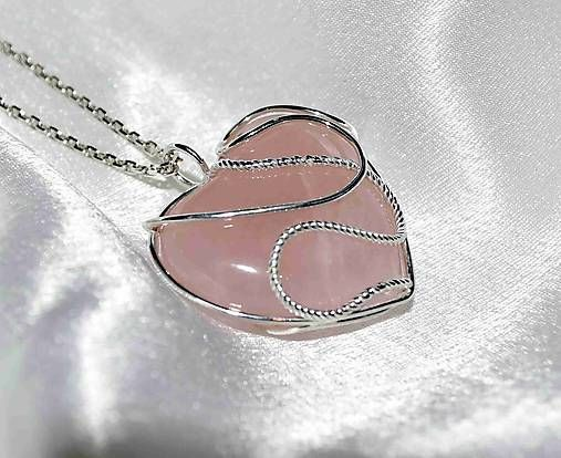 Anna / pendant rose quartz heart