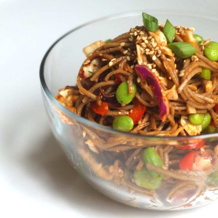 Spicy soba noodles with edamame, grilled tofu, peppers, and cabbage (vegan).