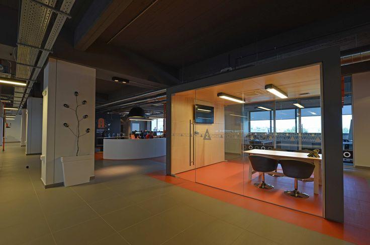#Skroutz Meeting room cube