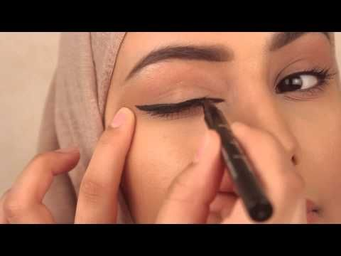 10 Tricks for Perfect Winged Eyeliner | STEPHANIE LANGE - YouTube