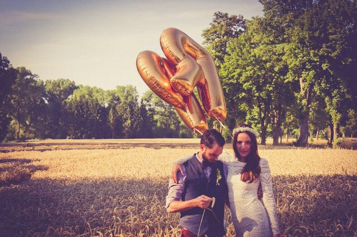 DIY Hochzeit auf der Sommerwiese und mit alter Scheune #diy #hochzeit #romantisch #wedding #hipster #vintag #bohemian #freie #trauung #love #hochzeitsredner #bayern #münchen #blog