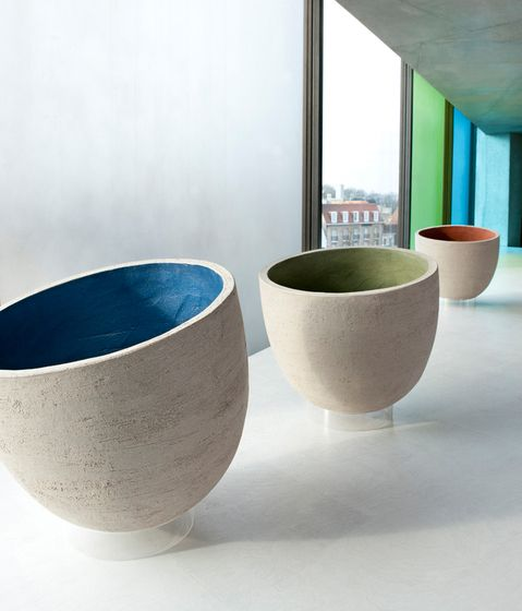 Colored-Washed Terracotta Planters : Gardenista: Colorwash Terracotta, Gardens Can, Vierkant Pots, Ate Vierkant, Uk Gardens, Pots Ideas, Outdoor Gardens, Terracotta Planters, Atelier Vierkant