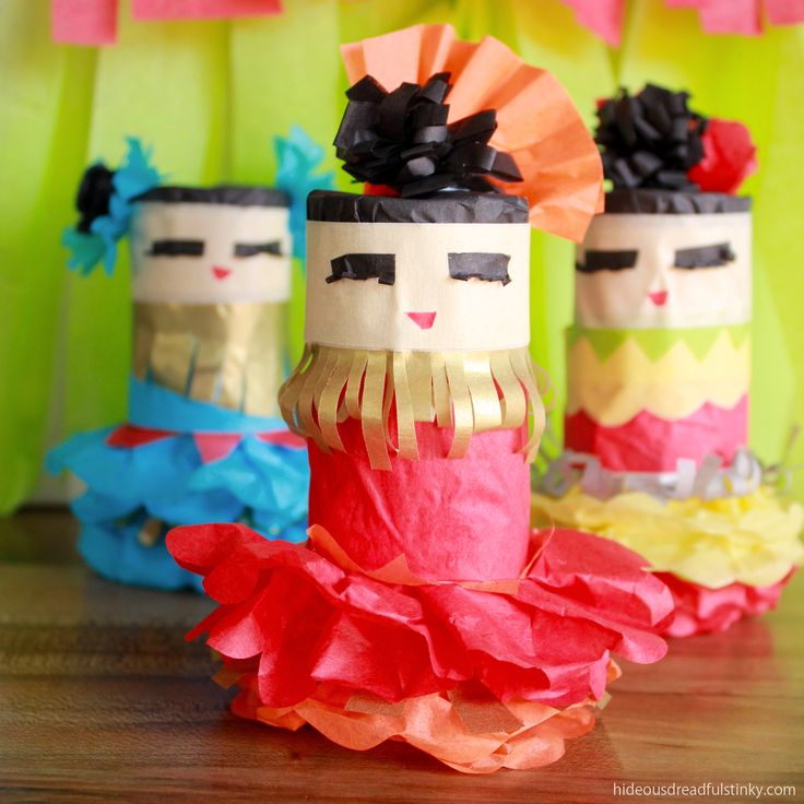 This Mini Piñata Tutorial shows you how to make colorful dancing girls from cardboard toilet paper tubes and tissue paper for your Cinco de Mayo party.