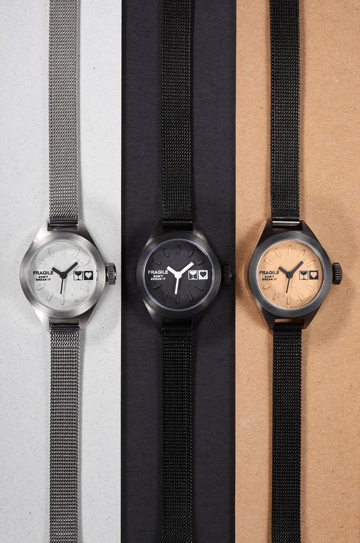 【TACS @ Mini Kraft-M】  Inspired by kraft paper, matched with mesh bands, came with three different colors, the Mini Kraft-M watch is suitable for various kinds of smart casual styles.  #tacs #tacsstyle #tacswatch #watch #timepiece #kraft #minikraftm #designerwatch #microbrand #instapic #watchesofinstagram #minimalist #fashionista #designinpiration