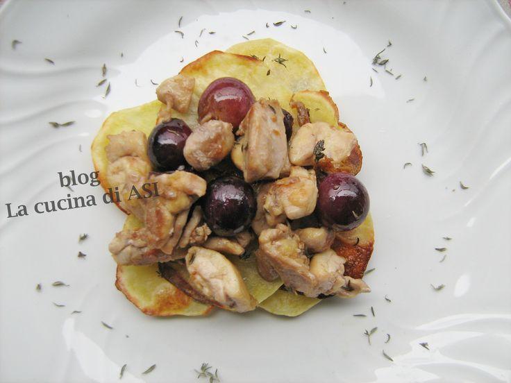 POLLO CON UVA, TIMO E PATATINE CHIPS ricetta veloce