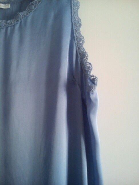 Vestido de viscosa azul marino.