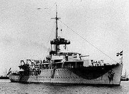 Ht.Ms.Johan Maurits van Nassau vuurt op 14 mei 1940 in totaal 98 granaten af op de Duitse troepen op de kop van de afsluitdijk.