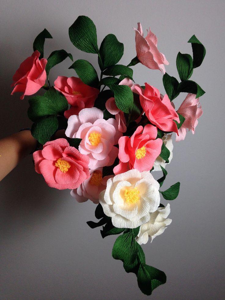 Crepe paper camellia flower bouquet, handmade by Papetal