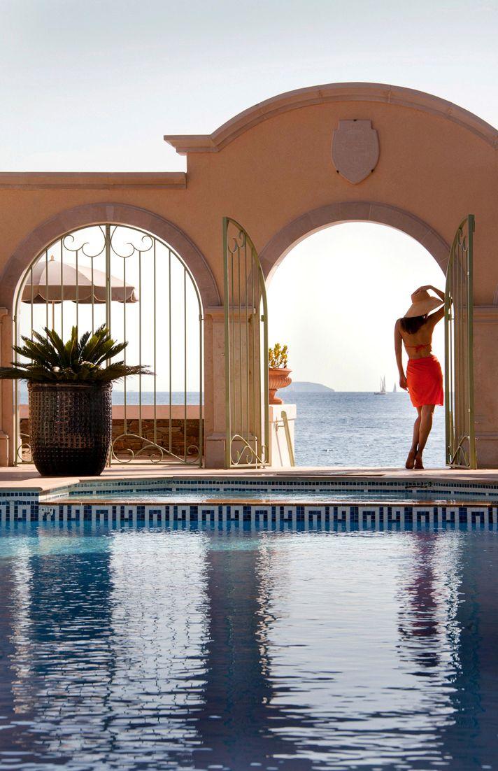 Le Club de Cavalière & Spa. Hôtel et restaurant en bord de mer. France,Le Lavandou (Cavalière). Photo par http://www.jerome-mondiere.fr/  #relaischateaux #cavaliere #lavandou #piscine #pool