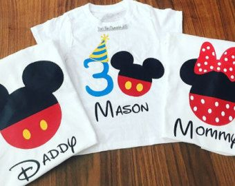 Bordadas camiseta de cumpleaños de Mickey Mouse con mamá y