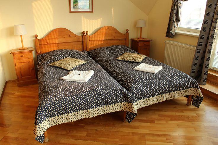 Napfényes kétágyas standard szoba / Sunny standard double #room