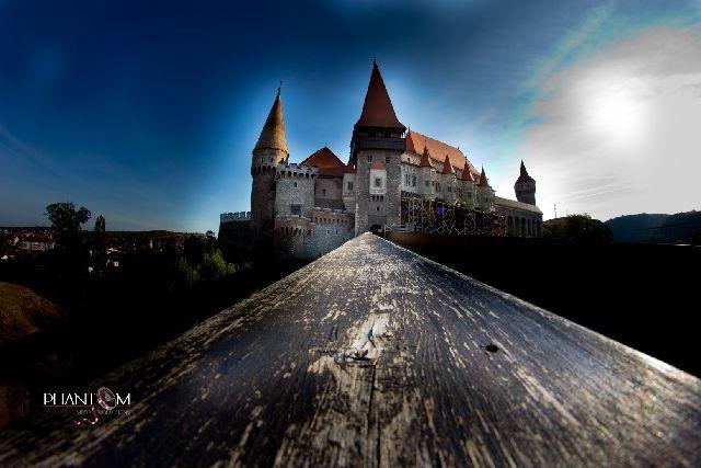 castelul corvinilor iarna - Căutare Google
