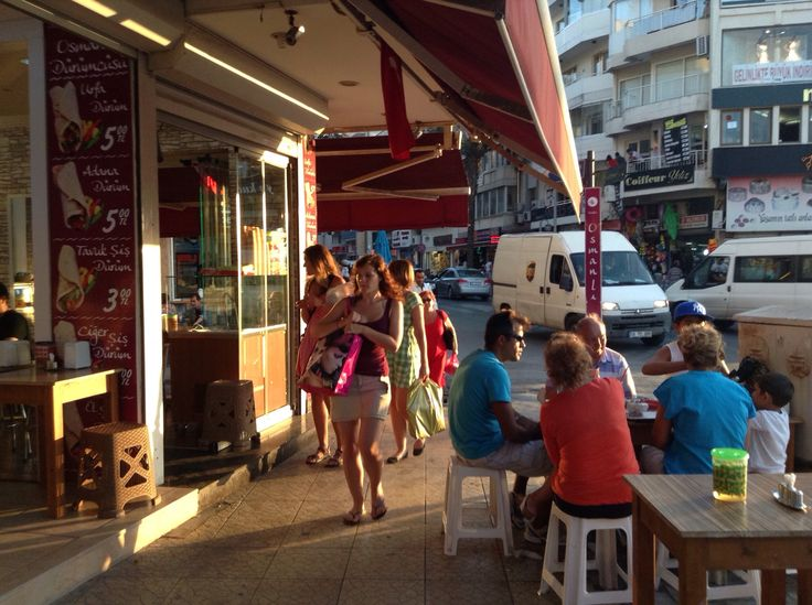Outdoor Cafes in Kusadasi,  Doner kebab with fresh ayan and unlimited free pickles