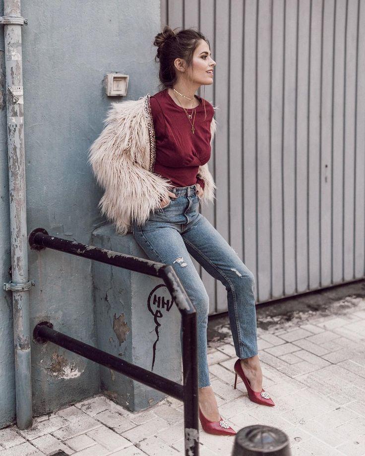 "4,169 curtidas, 85 comentários - Jessie Chanes /Seamsforadesire (@jessiekass) no Instagram: ""These jeans and those heels❤️|#seamsforadesire #whatiwear #momfitjeans [link on bio]"""