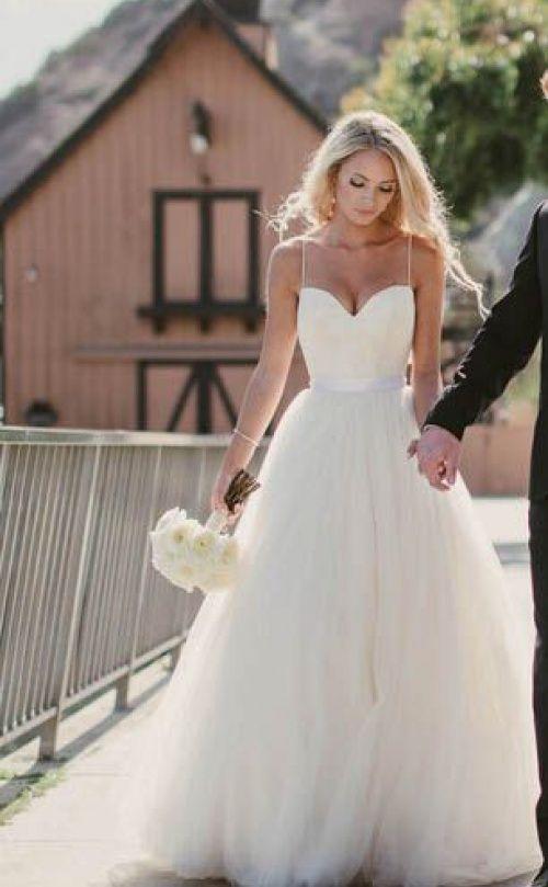 Ivory Spaghetti Straps Sweetheart Neck Tulle Sleeveless Wedding Dress