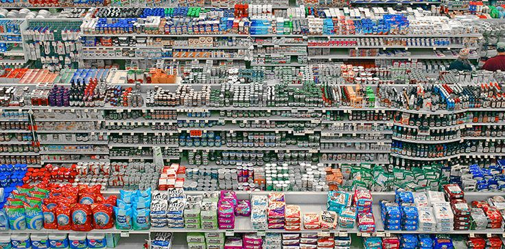 Fabrice Nicolino, journaliste, constate amèrement que, depuis l'industrialisation alimentaire, nous nous sommes éloignés de la nourriture, nous l'avons appauvrie, nous avons perdu notre autonomie alimentaire et, tout ceci, La suite sur mrmondialisation.org