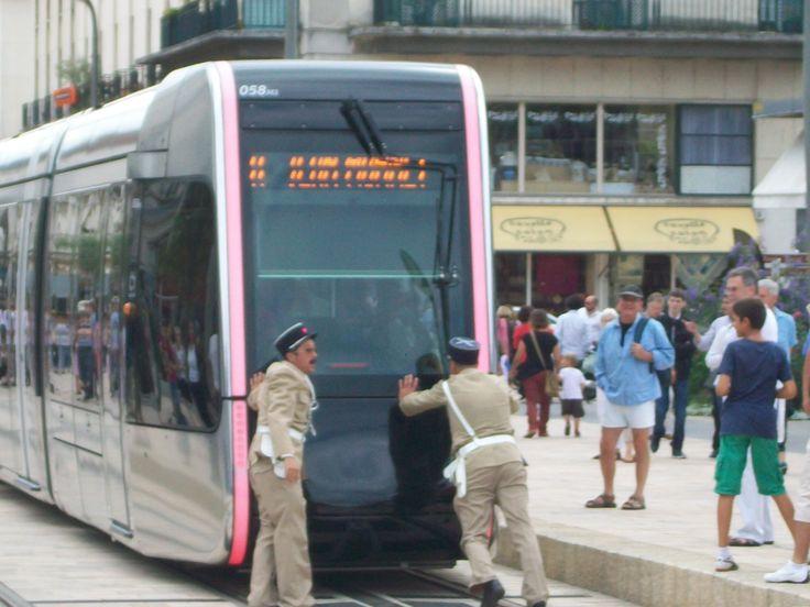 La troupe P4 je crois, avec deux gendarmes en costume de gendarme de St Tropez.