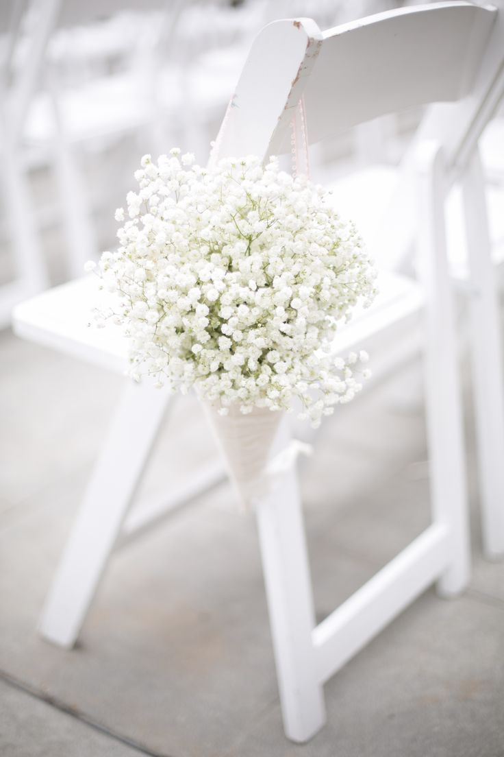 Affordable wedding chair decorations - 10 Ways To Use Baby S Breath At Your Wedding Chair Decoration