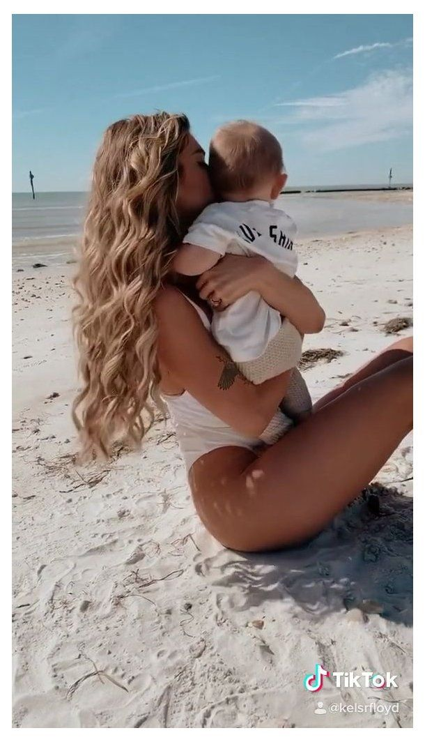 Kelsey Floyd Kelsrfloyd Tiktok Best Mom Swimsuit Style Beach Beach Style Hair Long Hair Beach H Moms Photography Baby Photoshoot Cute Baby Pictures