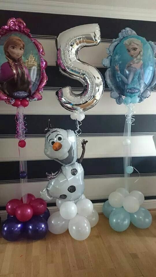 """Letter balloons that spell out """"frozen"""""""