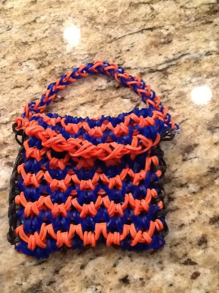 Rainbow loom mini purse from craft life by Sheryl Mabeery s dragon    Rainbow Loom Mini Purse Craft Life