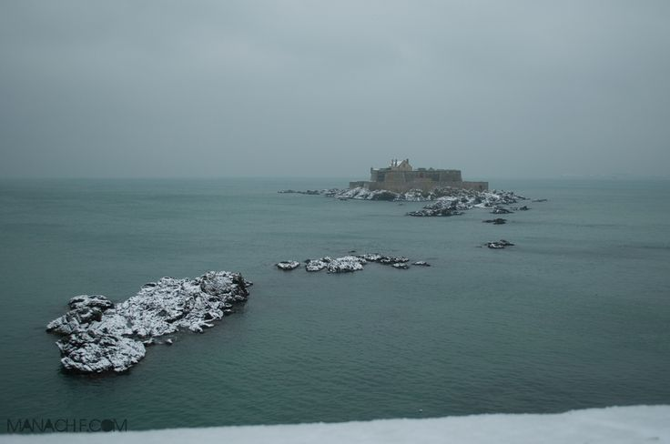 Fort National de Saint Malo sous la neige.