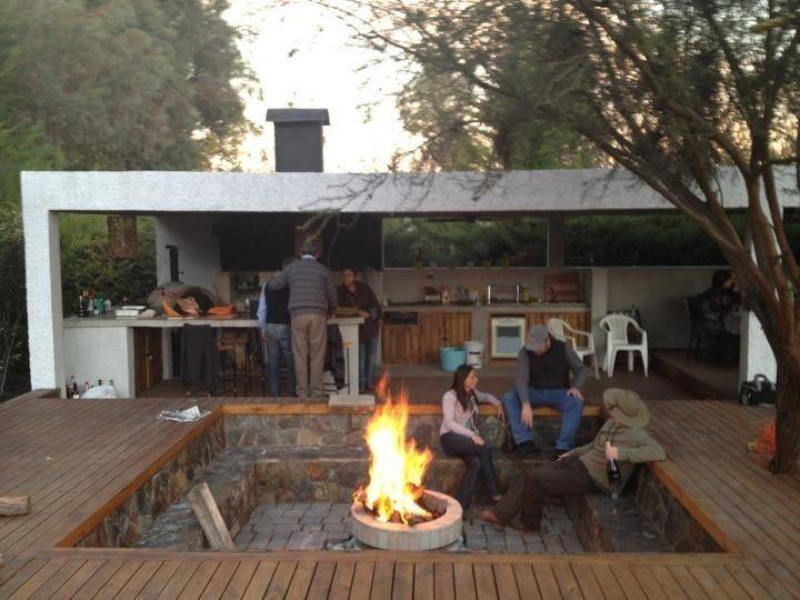 Idea para juntarse con amigos hogar pinterest amigos for Modelos de casas de campo con piscina