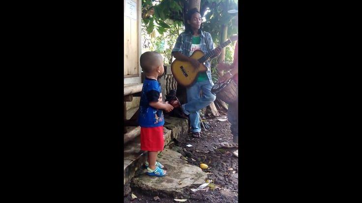 Video Lucu Anak Joget