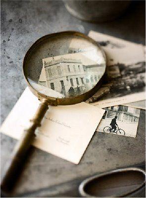 .Vintage Postcards, Display Photos, Vintage Ephemera, Magnifying Glasses, Old Postcards, Photos Display, Old Photos, Vintage Inspiration, Simply Nature