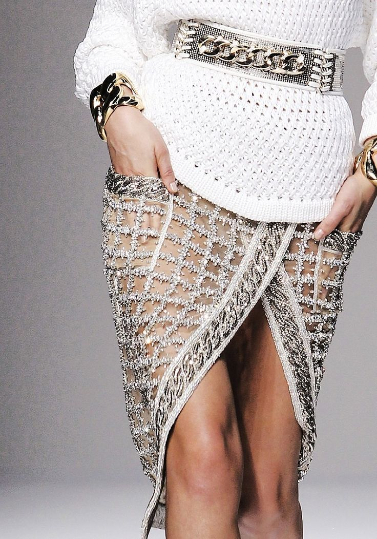 Balmain - oh la la! It's all about this skirt & it even has pockets!