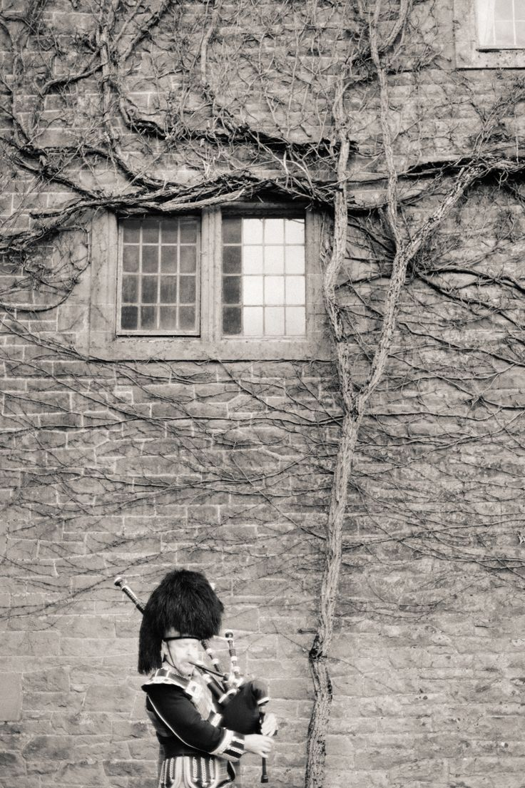 Piper outside the castle