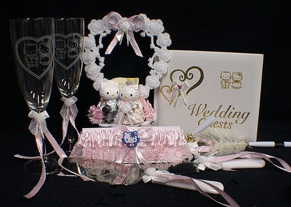 Cute Hello Kitty wedding gifts and accessories : Wedding Clan