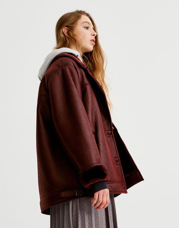 e22654886d3fd Bordowa kurtka z dwustronnym wykończeniem - Płaszcze i kurtki - Odzież -  Dla Niej - PULL&BEAR Polska | Style | Bomber Jacket, Jackets, Giyim