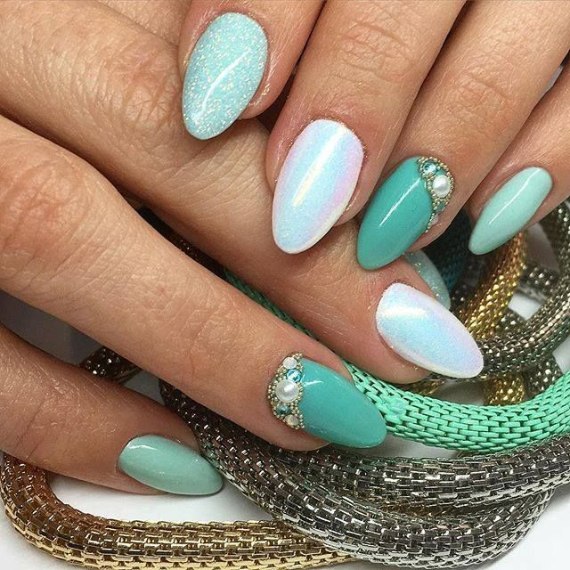 Tiffany + Tahiti Gel Brush  +  Mr White  +   Effetto sirena