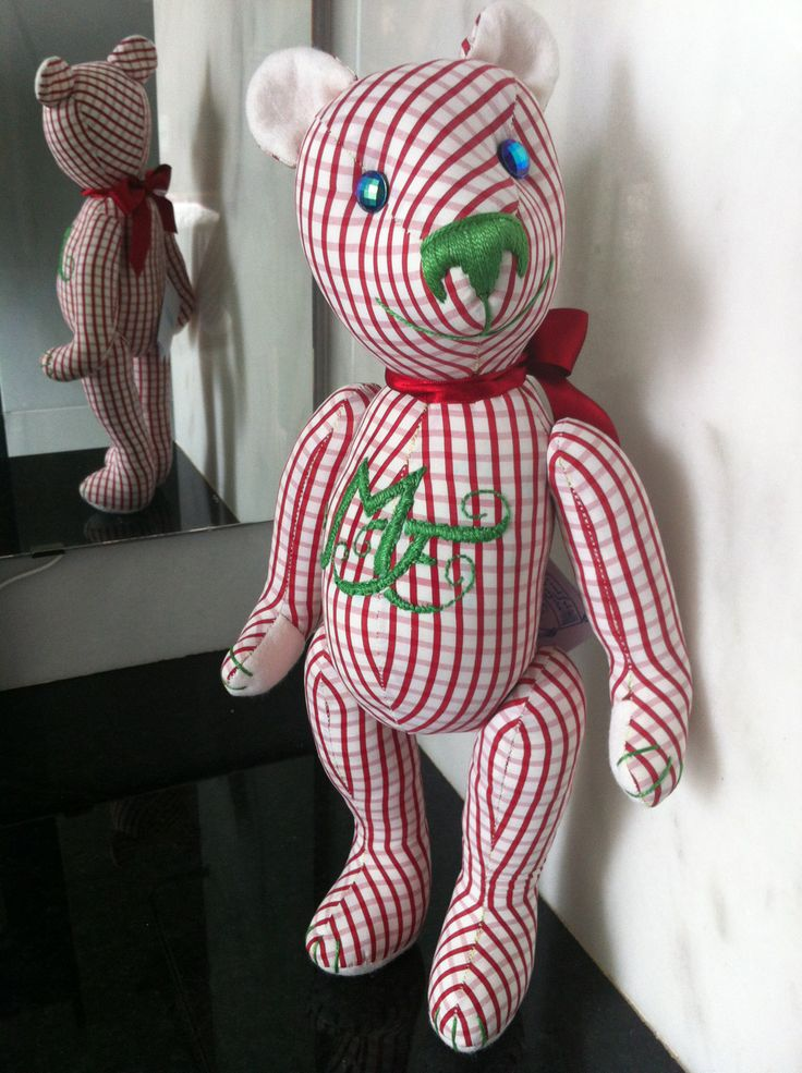 A client wish: her initials embroidered on her new Teddy Bear Baby. Isn't it a nice present for your loved ones? By GSbears, Barcelona