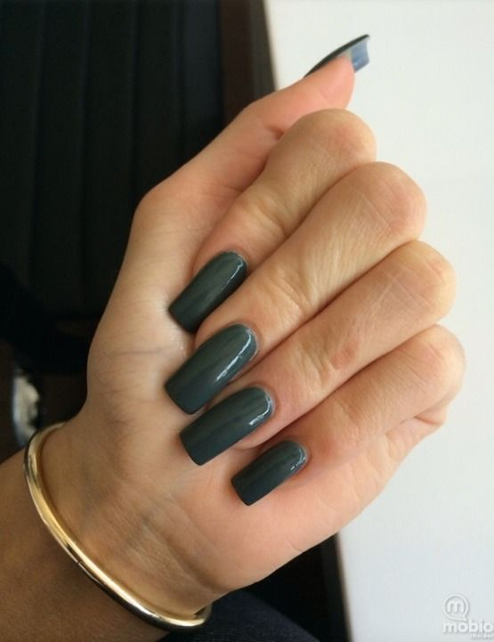 Picture of Kylie's nails (dark green)