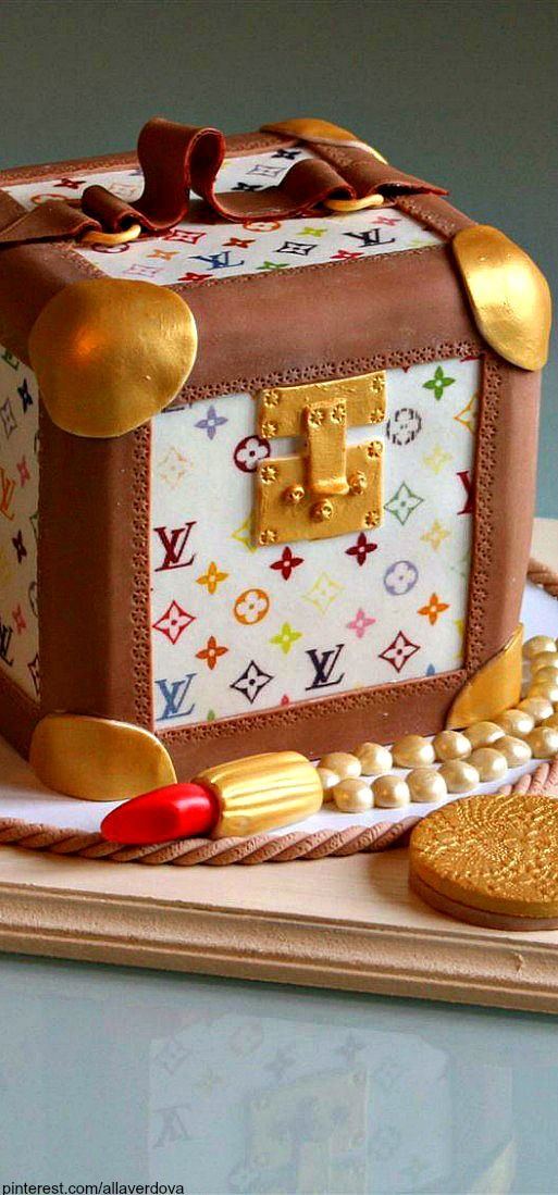 ~Louis Vuitton Trunk Cake | The House of Beccaria