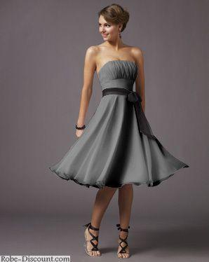 Robe de mariee grise courte