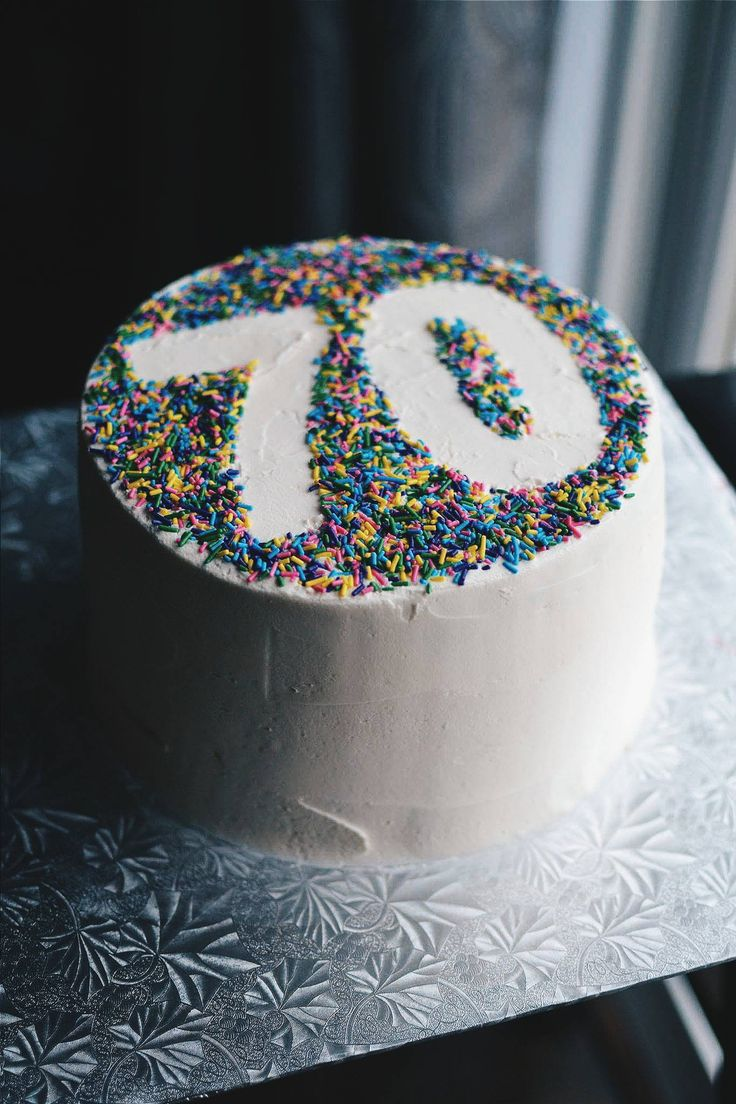 Cake Decoration For Him : 25+ best ideas about 60th Birthday Cakes on Pinterest 70 ...