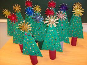http://reusecrafts.blogspot.ca/2011/11/cardboard-christmas-trees.html