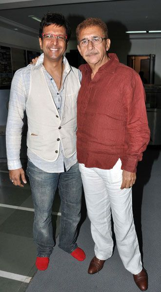 "Indian Bollywood actors Naseeruddin Shah (R) and Javed Jaffrey (L) attend the screening of Miriam Chandy Menacherry's documentary ""The Rat Race"" in Mumbai on April 13, 2012."