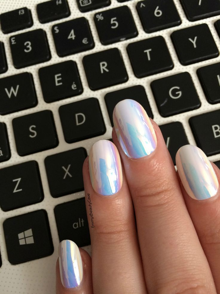 So In Love with my Hall of Mirror Nails from Elegant Touch.  Mermaid Nails, Hologram Nails, Summer Nails