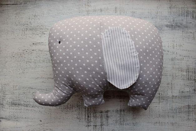 Opgezette olifant kussen speelgoed