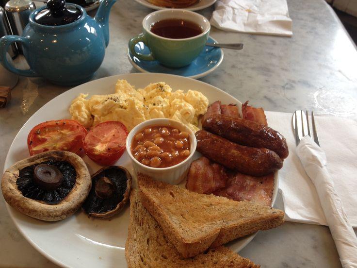 English Breakfast Queen's Park - London