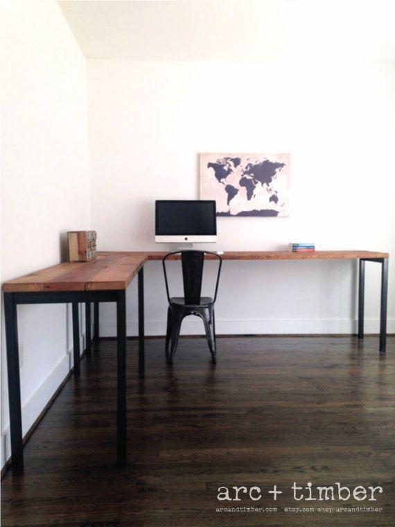 L-förmiger Schreibtisch