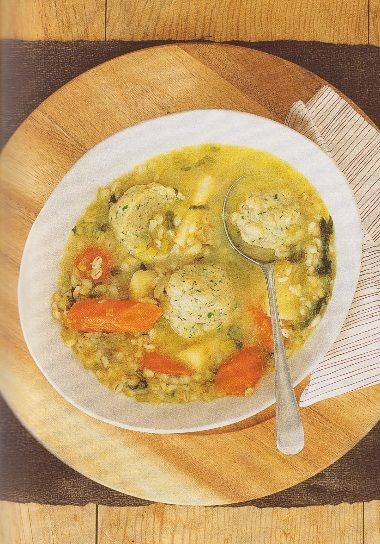 Kroupová polévka s bylinkovými knedlíčky