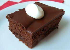 Fotografie článku: Recept na jogurtový koláč s čokoládou krok za krokem