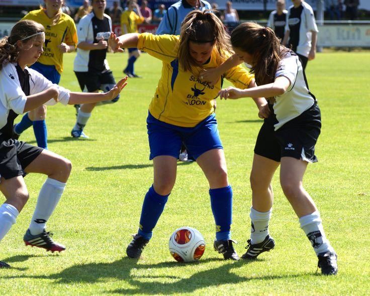 Dames voetbal Terheijden-Dongen